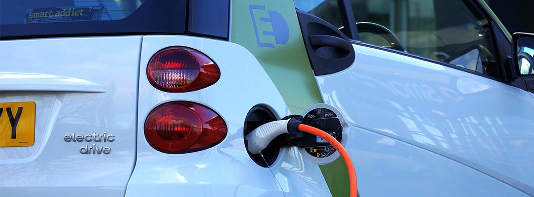Etablere ladepunkt til elbilen hjemme? Dette bør du tenke på.
